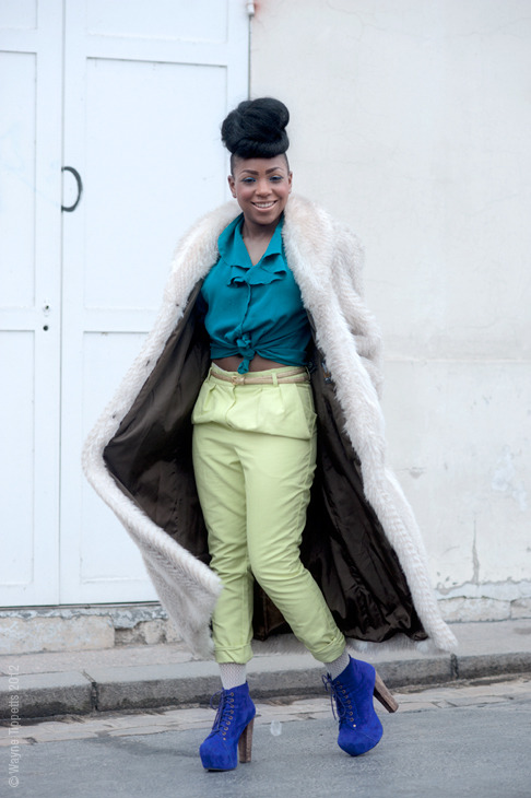 (via Street Style Aesthetic » Blog Archive » Paris – Funky Freestyle)