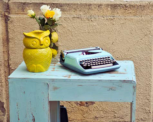 I love this vintage type writer, and the owl's pretty darn cute to!