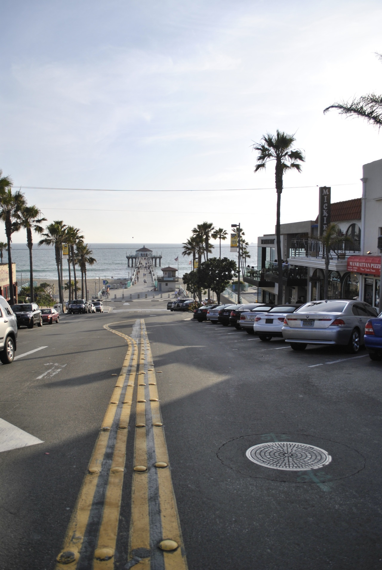 soul-surfer:  travels-with-charley:  Manhattan Beach BlvdLos Angeles, California  OMG…fuck yes!