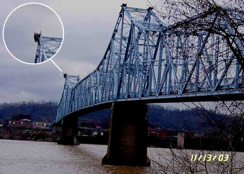terryhex:  A Mothman sighting on the Silver Bridge, just before its collapse.