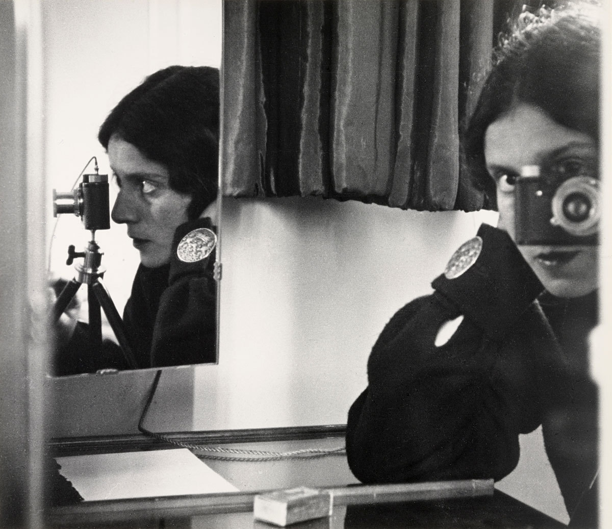 Ilse Bing - Self-Portrait in mirrors, 1931