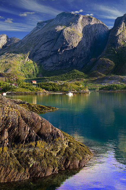 visitheworld:  Summer in Melfjorden, Nordland, Norway (by KrWe).