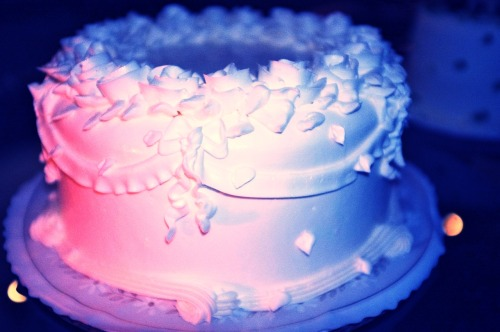 ladreamgirl:  Neon Wedding Cake