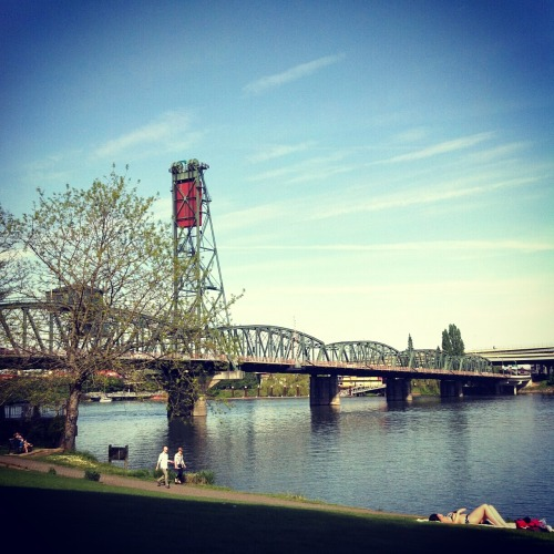 smalltimegenius:  This was Portland today. If you chose to go to work from 9-5, instead of hanging out in the sun like the rest of us… Shame on you! :-)