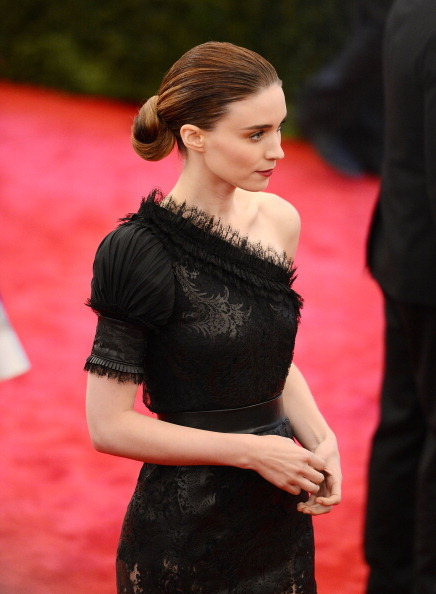suicideblonde:  Rooney Mara in Givenchy at the 2012 Costume Gala, May 7th
