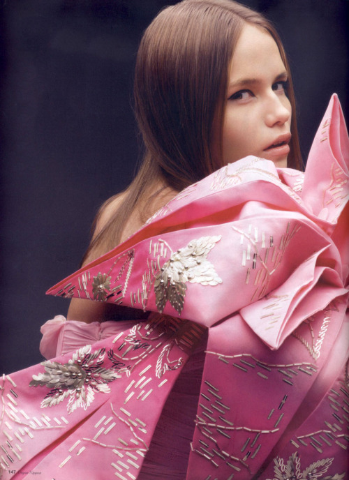 the-moustached-king:  'Couture at the Door', Natasha Poly by Horst Diekgerdes, Vogue Nippon May 2007. Christian Dior Spring Summer 2007 Haute Couture