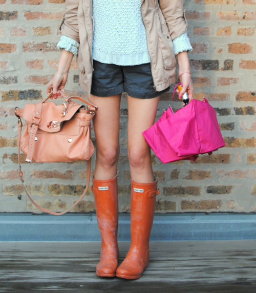 A bright outfit on a rainy day…it could be the answer to those bad weather blues. Photo Source: See Jane.