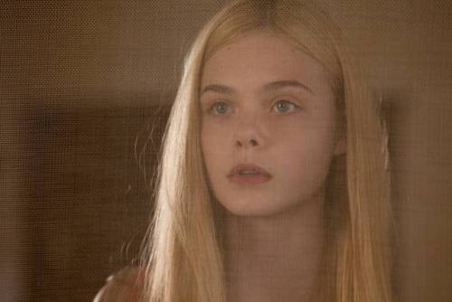 Elle Fanning also starring in MALEFICIENT (via Maleficent – Elle Fanning confermata, ecco tutti i protagonisti del kolossal fantasy! | Il blog di ScreenWeek.it)
