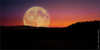 Luna Surreal lori-rocks:  just the moon - supermoon 2012 (by photography.andreas)