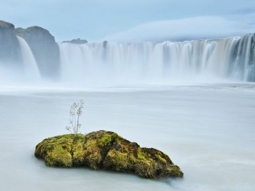 "beconinriot:  Orsolya and Erlend Haarberg ""Godafoss"" Iceland."