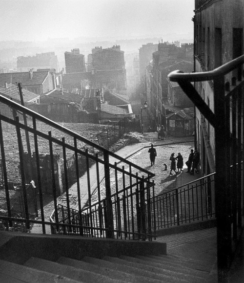 paris dans la brume vu depuis le haut de la rue vilin, sometime between 1940 and 1950 photo by willy ronis