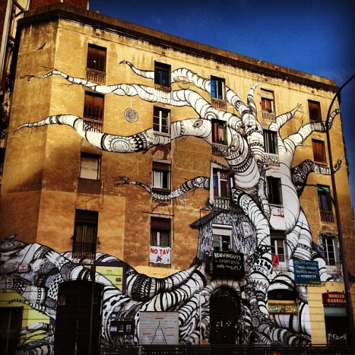 Extreme #graffiti on a #building in #barcelona  (Taken with instagram)