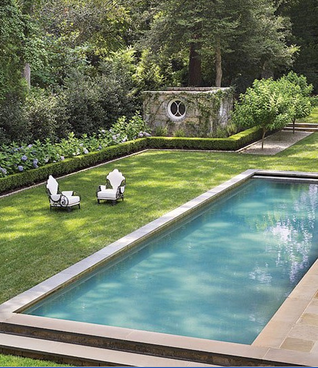 Pool in the garden of Suzanne Kasler in Atlanta, Georgia in the U.S. Photo by Pieter Estersohn.