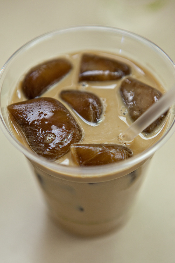 sp00nful:  Be Your Own Barista: Sweet Iced Coffee