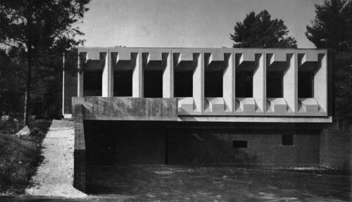 fuckyeahbrutalism:  Torin Corporation Administration Building, Torrington, Connecticut, 1966 (Marcel Breuer & Associates)