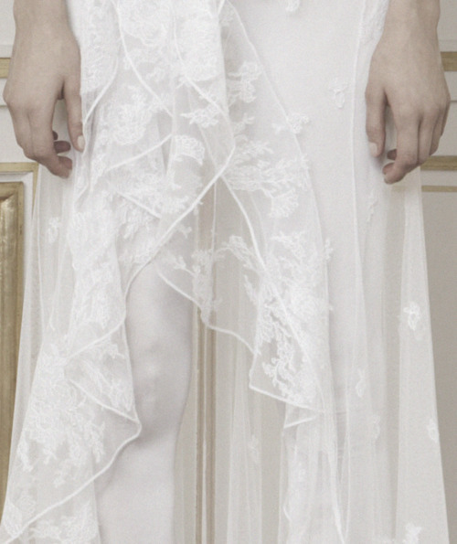 voguelovesme:  givenchy haute couture autumn/winter 2010-2011