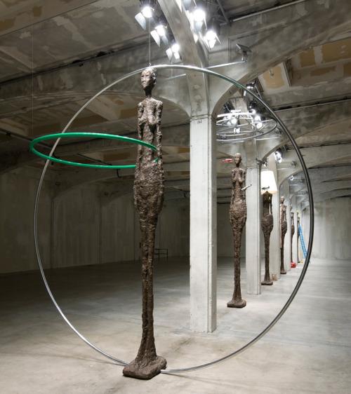 giacometti rivisitation, giacometti circle, circle statue