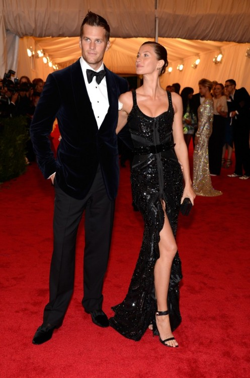 betanalexandra:  black—on—black:  Gisele Bundchen in Givenchy and Tom Brady at the Met Gala, May 2012 THE hottest couple.
