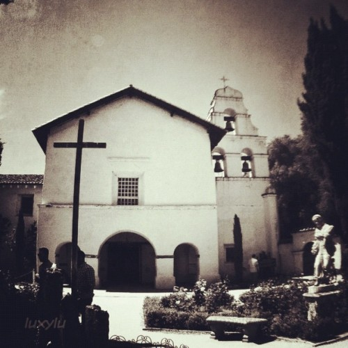 The Mission ⛪ #instawalksjb #igerssv #igerseastbay #igerssf #seecalifornia #instafamous #instagramhub #instagood #all_shots #photooftheday #gmy #clubsocial #gg #gg_forum #inkstagram #ink361 #dailydiscovery #primeshots #teamrebel #webstagram #statigram #gang_family #gf_usa #gf_daily  (Taken with Instagram at @IgersSV InstaWalk SJB)