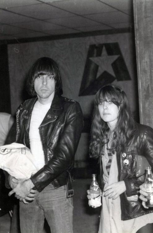 thee-hopalong-quesadilla:  Johnny Ramone & Nikki Corvette.