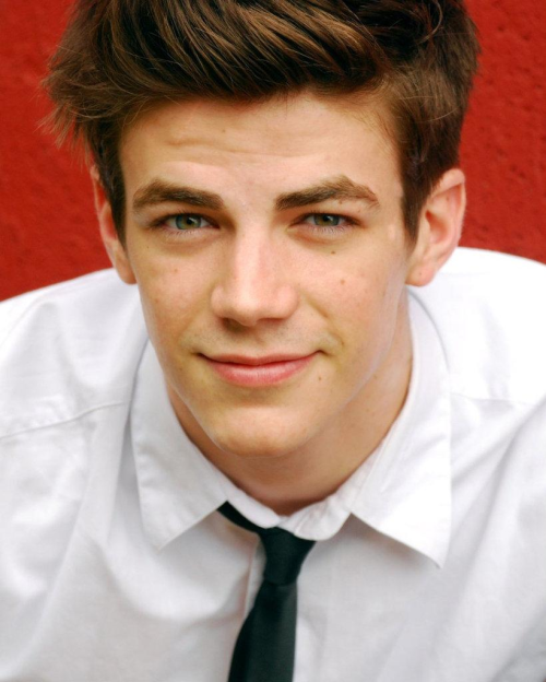 this is Grant Gustin. I don't even know his background or anything but I saw his name and picture and thought he should play Finnick. share your thoughts & opinionssss