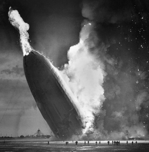 lostsplendor:  Hindenburg Inferno, 1936 (via The Atlantic)