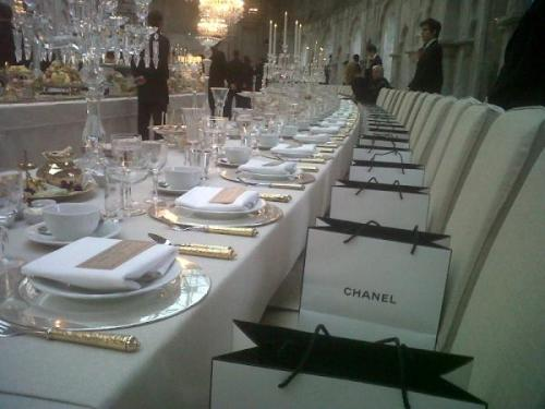crystallized-teardrops:  omfg I want to be invited to these events dkfjdnfnd