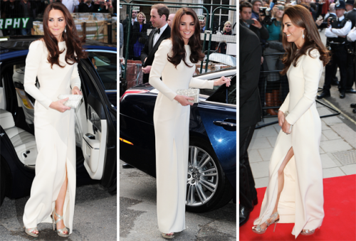 Duchess Kate sans flesh-colored hose! Somewhere, the executives at Leggs are starting to worry. More about the royal's fashion-forward outing—and Pippa's rumored move to New York City—in our Royal Watch column.