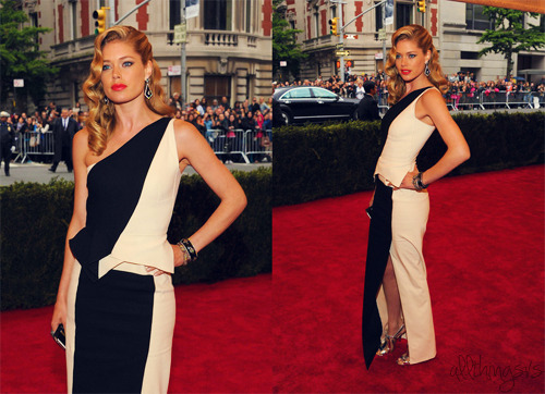 Doutzen Kroes at 2012 MET Ball