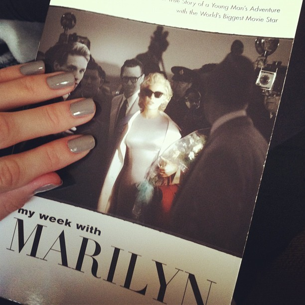 #myweekwithmarilyn #nails #greynails #book #marilynlover #marilynmonroe #reading #OPI (Taken with instagram)