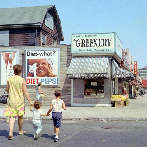 distinguishedcompany:  fuckyeahvintage-retro: 1960s New York City street scene