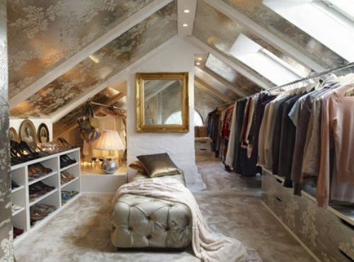 This would be cute for a boutique fashion store! examinercom:  Dream Closet! Check out 47 extraordinary walk in closet designs by our interior design examiner!  (Photo: Tumblr)