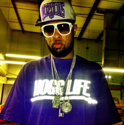 @slimthugga new avi though #huhhhh @solepurpose409 #HoggLife