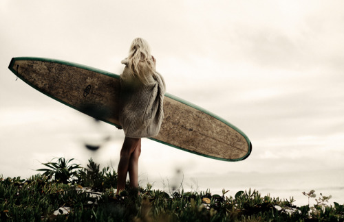 sea-thewaves:  a well waxed board