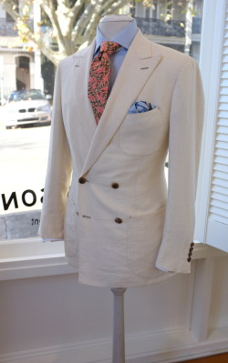 patrickjohnsontailors:  An old banger with a fresh orange print.  noww this is a color combo i can get behind im one for smoother textures but a wwhite jacket is a wwhite jacket there aint much more you need for a damn good outfit