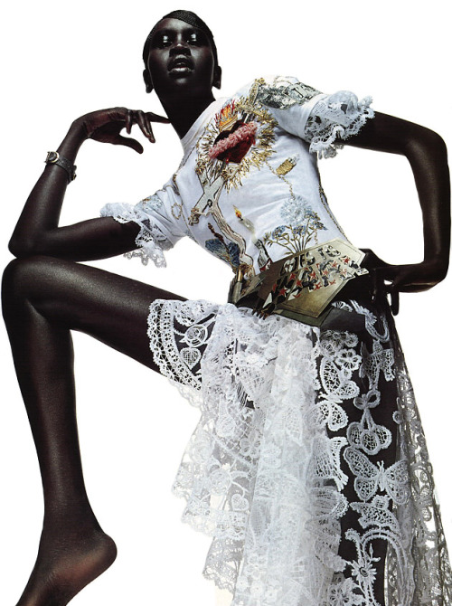 the-moustached-king:  'Knock-Out Couture', Alek Wek by Sølve Sundsbø, Harper's Bazaar US 2001. Christian Dior Spring Summer 2001 Haute Couture