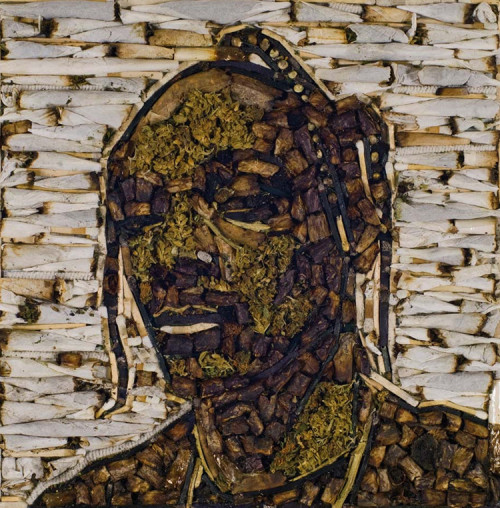 womenweedandweather:  snoop dogg, made out of roaches, joints and weed.