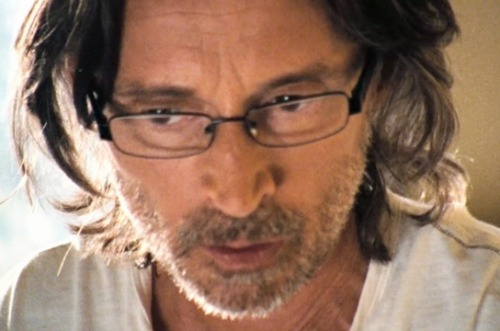 "nym-fanfic:  Robert Carlyle as Rush, being gorgeous in soft focus, geeky specs and jim jams.Stargate Universe ""Human"""
