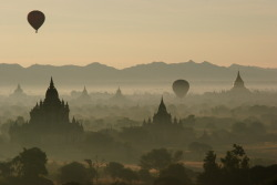 Sunrise over Bagan by David Haberlah