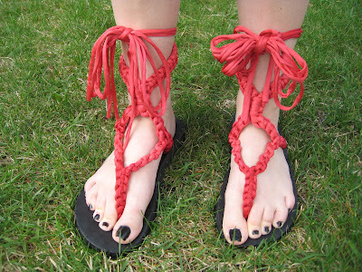 Macrame Sandals {how to} Found at: tawnybee