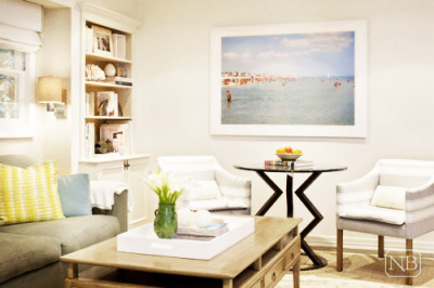 I want that exact same beach poster. (via Interior Designer Natasha Baradaran | Inspiring Interiors) follow canitbemine for more dreamy things!