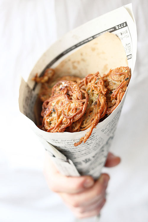 foodfashiontattoos:  1. These are Jamie Oliver's spaghetti fritters… 2. Is it sad that I know that from the picture? 3. I have made theses and they are TO DIE FOR delicious.