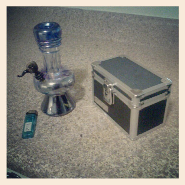 #wakeandbake #wednesday #bong #koolaid #instapot #instaweed #instagramhub #instagramaddict #potgram #weedgram #weedporn #lighter #box #pictureoftheday #potporn #photooftheday #droidology #androidsup #droidography #droidonly  (Taken with instagram)