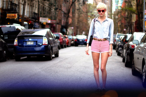 STREET STYLE // NYC 365 - She shows her stripes with a fierce leopard belt. Bright shades and perfectly pink lips bring it all together. www.maybelline.ca/nyc365