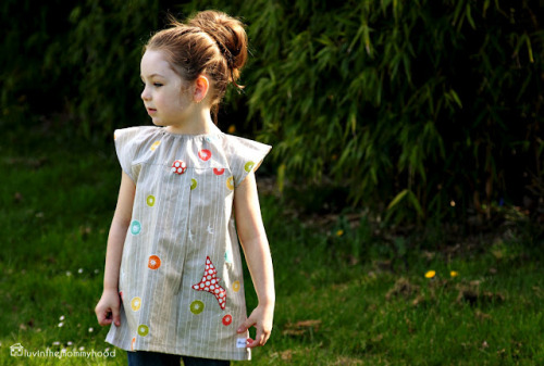 crafty-licious:  luvinthemommyhood: the emerson tunic dress tutorial!  rainbowsandunicornscrafts: Also so adorable in the back.