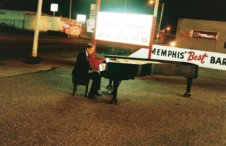 autters:  Teller and Eggleston and a piano, perfection.