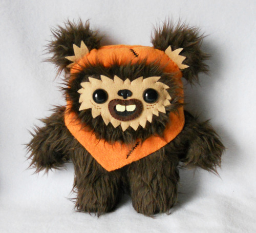 deadly-sweet:  I made this Ewok exclusively for Planet Pulp's 'May the 4th be with you!' over at www.planet-pulp.com You can purchase this slightly creepy Ewok at http://www.deadly-sweet.com     AHHHH!!!! I want eeet! :}
