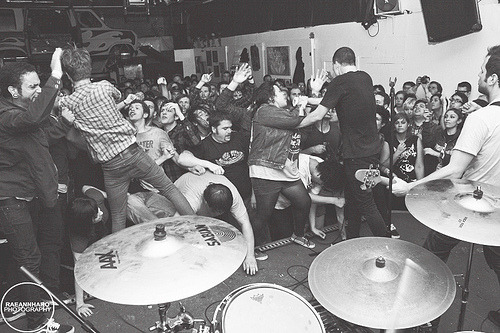 diggingupthesebones:  Touche Amore feat. Jordan Dreyer of La Dispute (by Raeann Haro)
