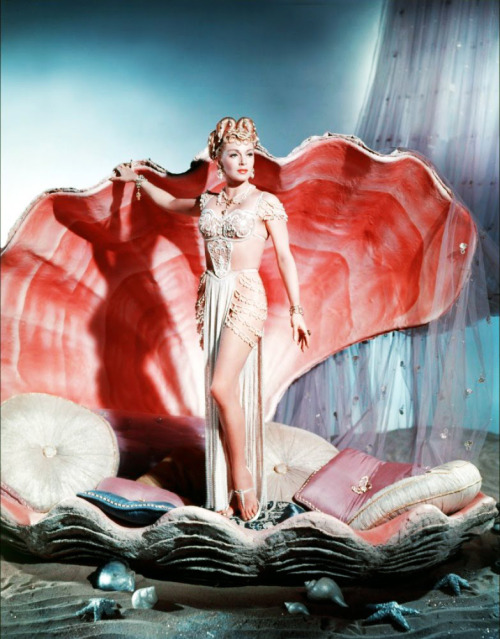Lana Turner plays a pagan priestess in The Prodigal (1955)