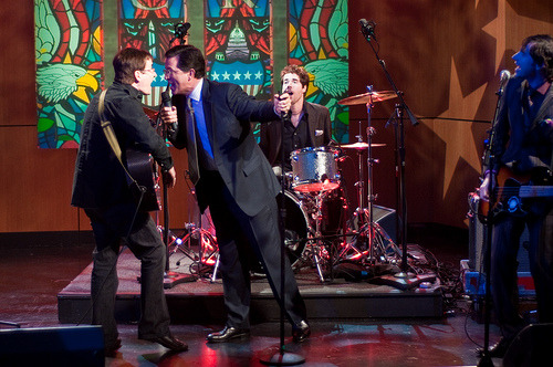 "pietro-crespi:  The Mountain Goats & Stephen Colbert sing ""This Year,"" 2009"